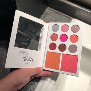 Kylie Cosmetics: Kylie's Diary Palette